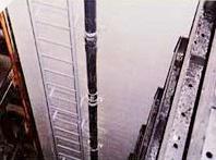 水路側壁に設置した電極ガイドパイプ